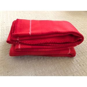 Super Soft Red/Pink Throw Blanket